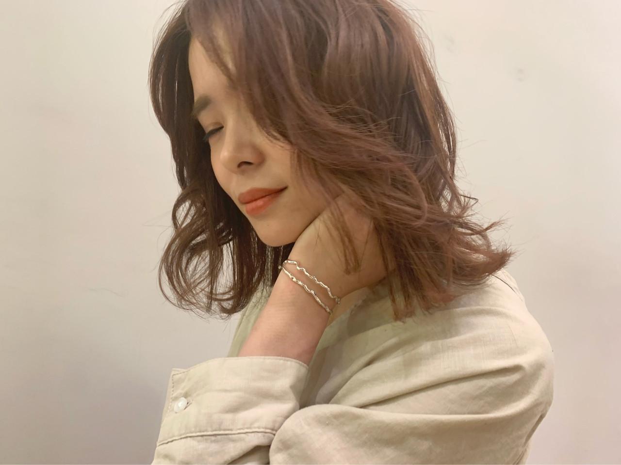 ミディアム デート オフィス かわいい ヘアスタイルや髪型の写真・画像 | 河合 桃歌 / kakimoto arms ララテラス武蔵小杉