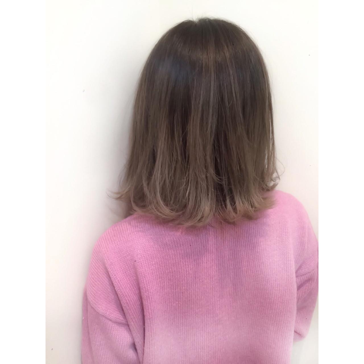 ミディアム グラデーションカラー ハイライト 大人かわいい ヘアスタイルや髪型の写真・画像 | スガ シュンスケ / Tierra (ティエラ)