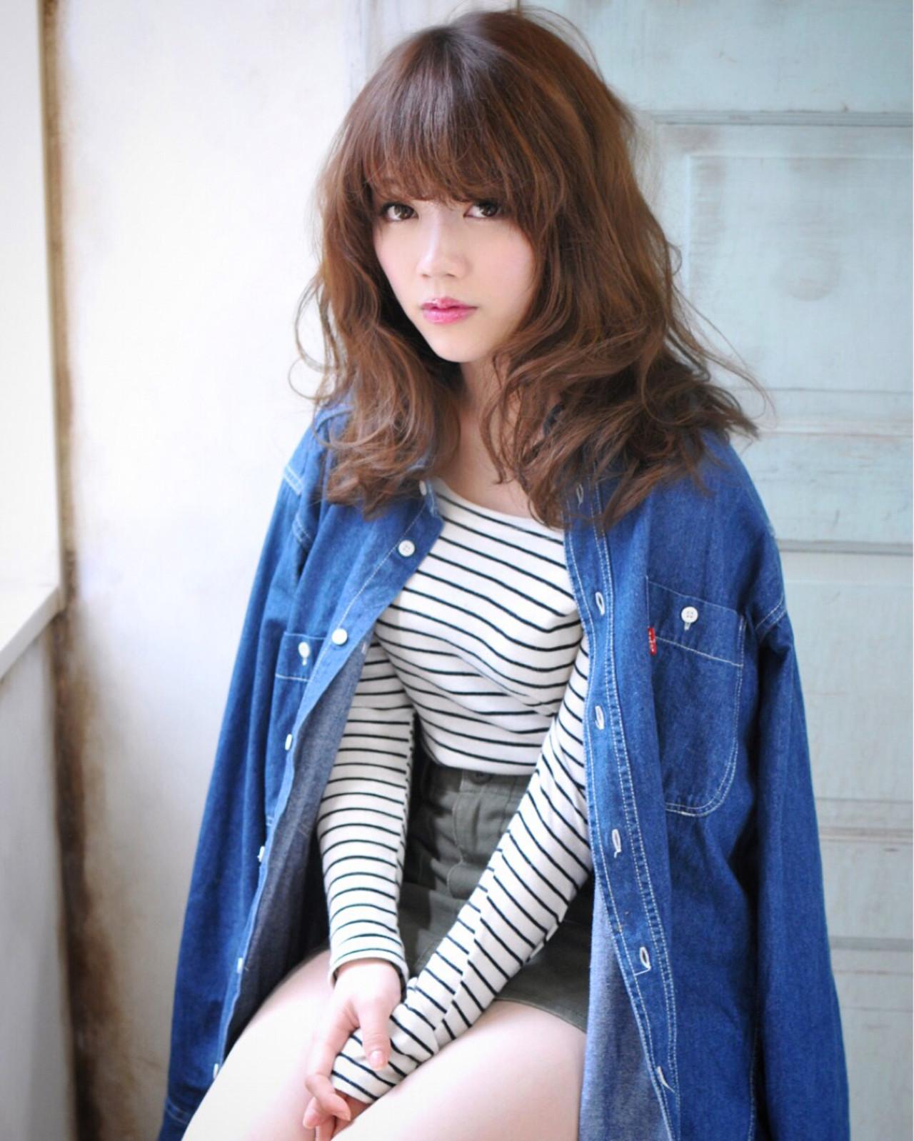 フェミニン アッシュ 外国人風 大人かわいい ヘアスタイルや髪型の写真・画像   石川フミヤ / Jule