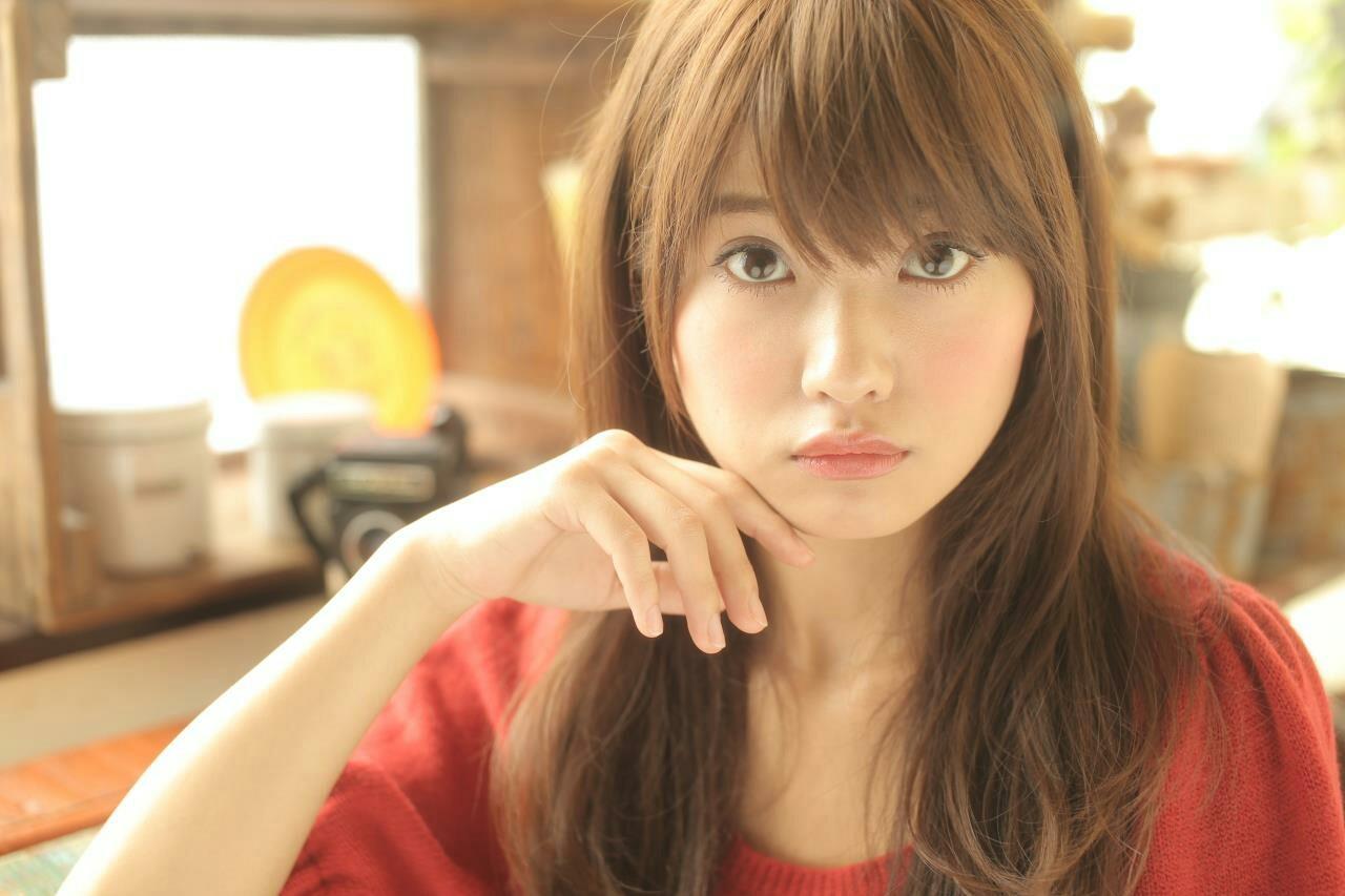 【丸顔さんに似合う髪型】ひし形シルエットの小顔効果でより可愛く♡ 山田 あきほ