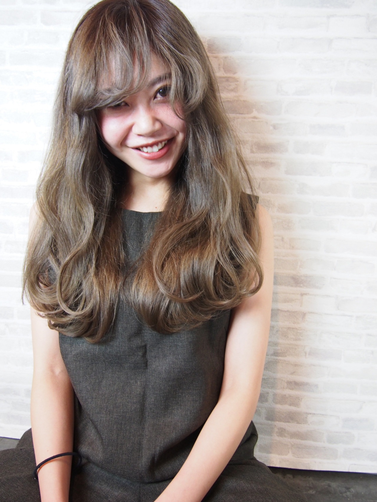 【ロング編】秋冬はこの色で決まり♡アッシュで作る暗髪が可愛すぎる 保坂 真吾