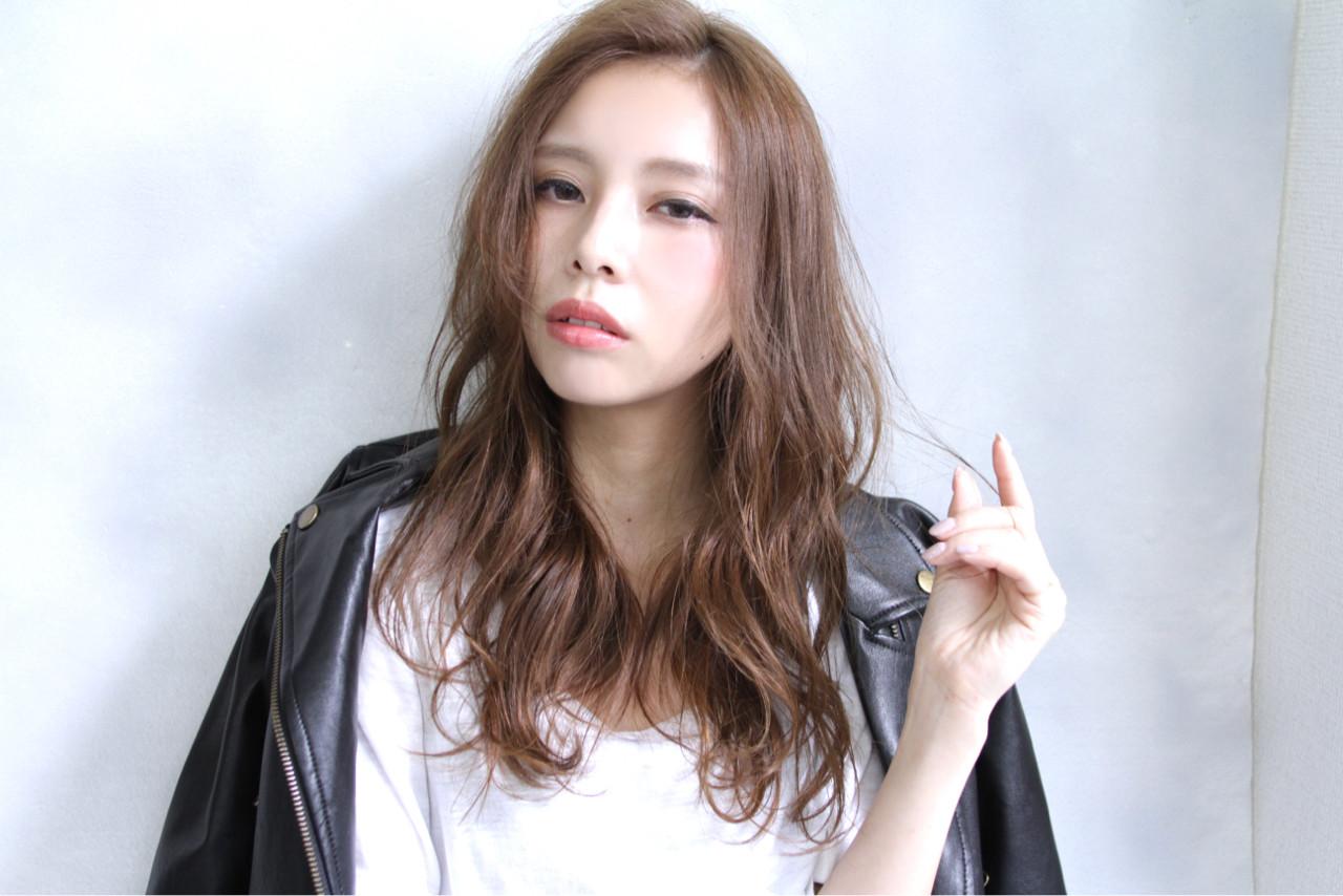 アッシュ 冬 ストリート ロング ヘアスタイルや髪型の写真・画像 | 清水 孝純 / Rose