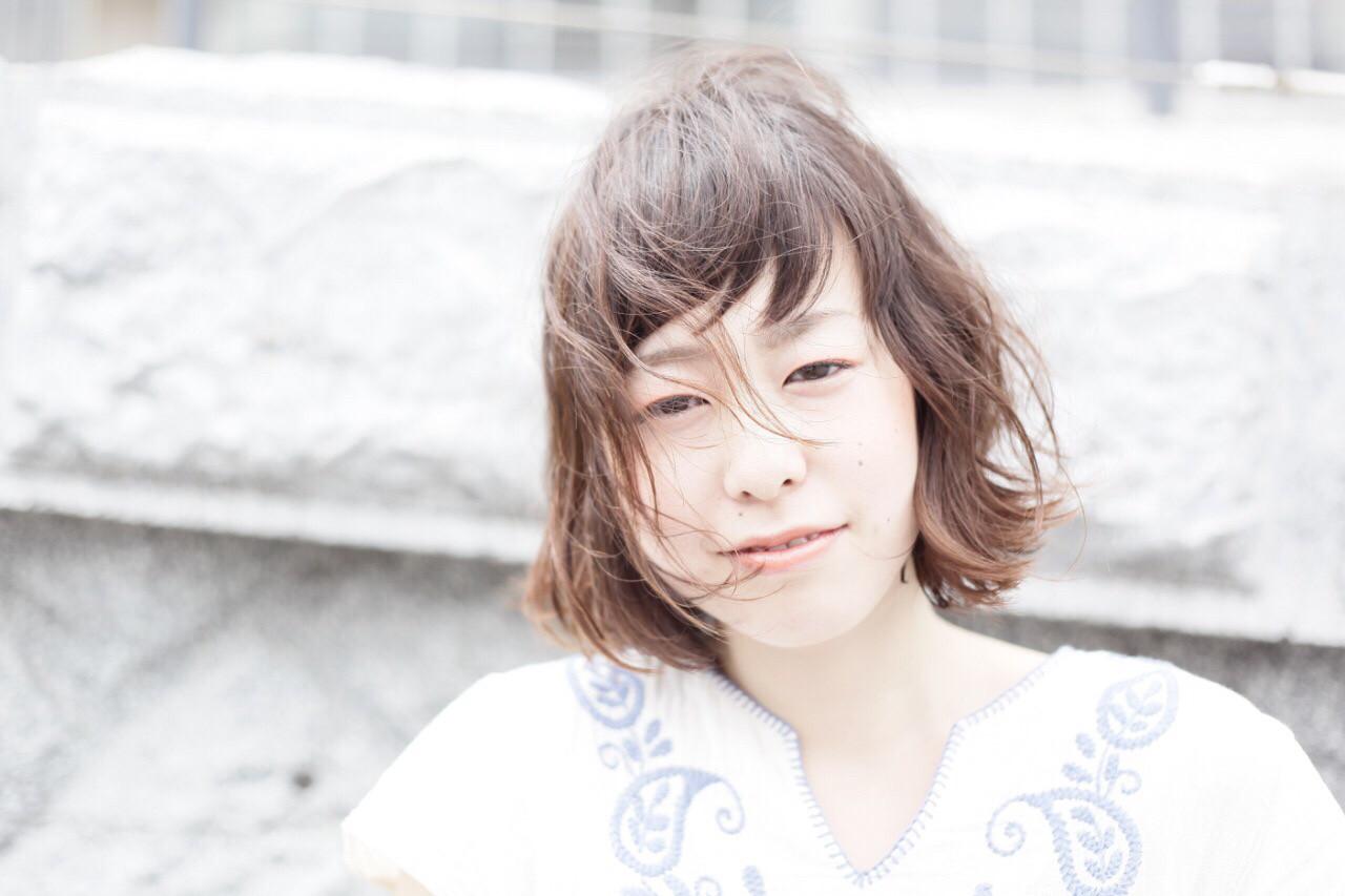 フェミニン 前髪あり ボブ 色気 ヘアスタイルや髪型の写真・画像 | 冨田 幸平 / delamair QuAx. (デラメア クアック)