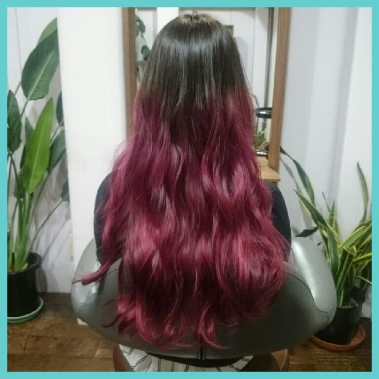 ピンク 外国人風 レッド 暗髪ヘアスタイルや髪型の写真・画像