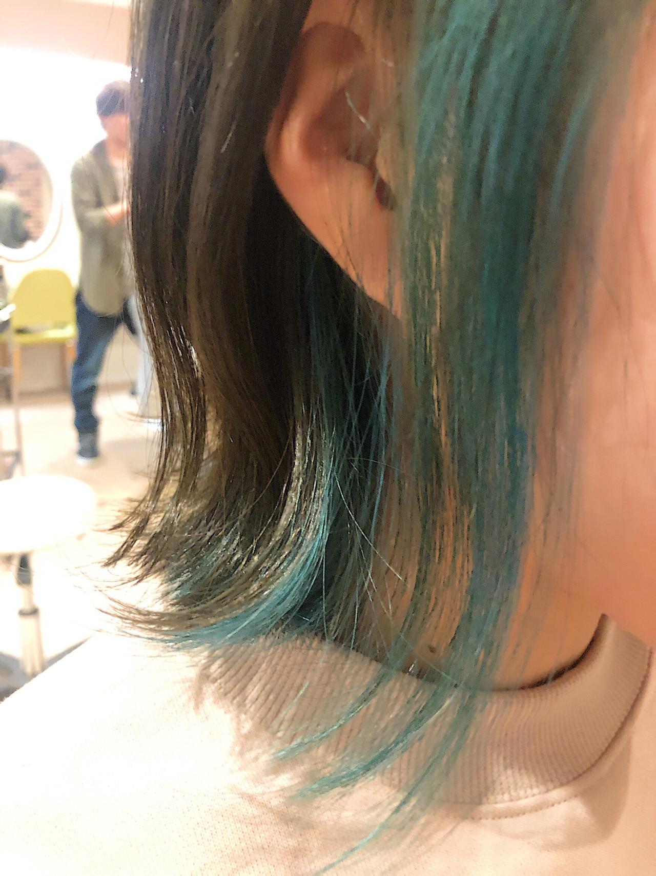 インナーカラー ボブ ブリーチ インナーグリーンヘアスタイルや髪型の写真・画像