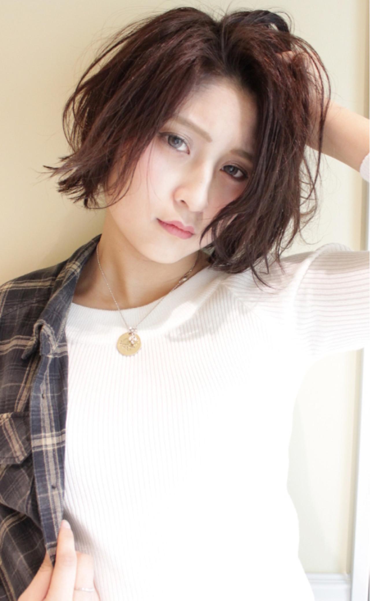 黒髪 ウェーブ ストリート 外国人風 ヘアスタイルや髪型の写真・画像   Masanori Yamasaki / Reuna(レウナ)