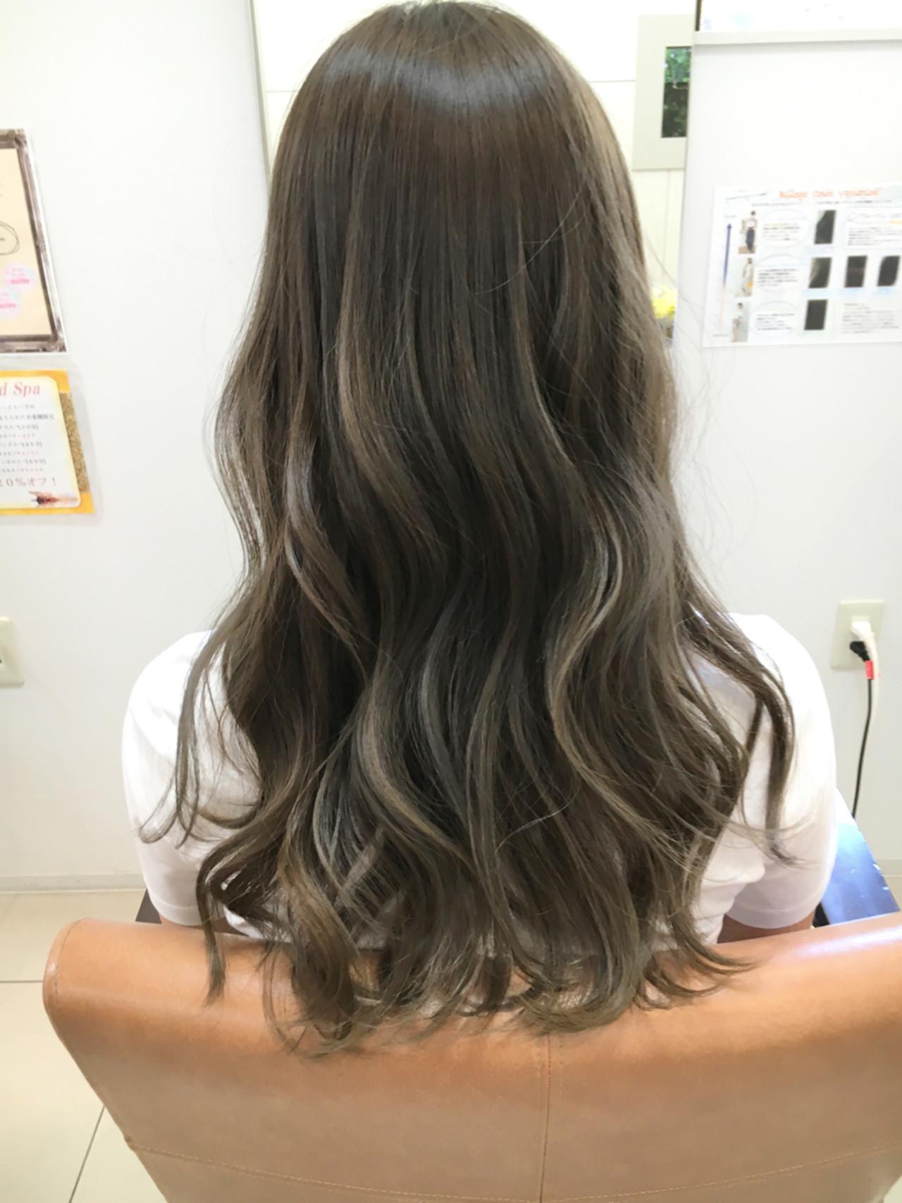 ロング ガーリー 外国人風 アッシュヘアスタイルや髪型の写真・画像
