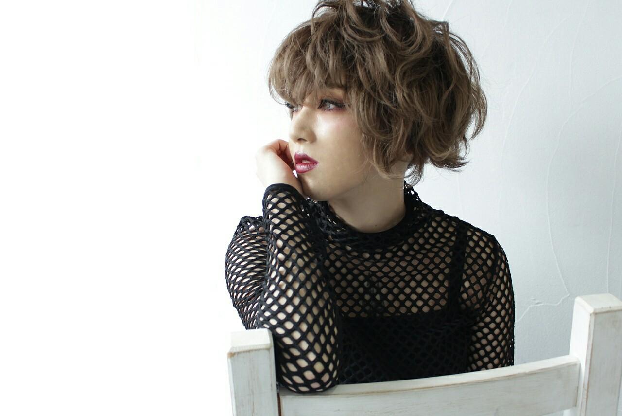 アッシュ グレージュ ショート モード ヘアスタイルや髪型の写真・画像 | 原田 和幸 / TELA / TELA