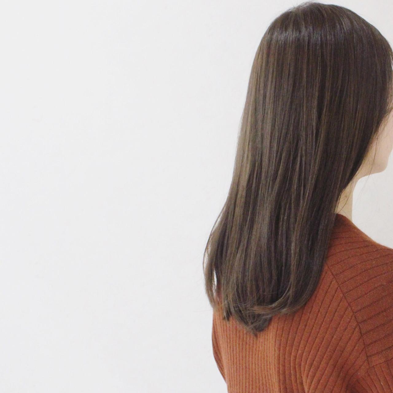 グレージュ 大人かわいい アッシュ ハイライト ヘアスタイルや髪型の写真・画像 | 伊藤 貴昭 / CACINA  カシナ