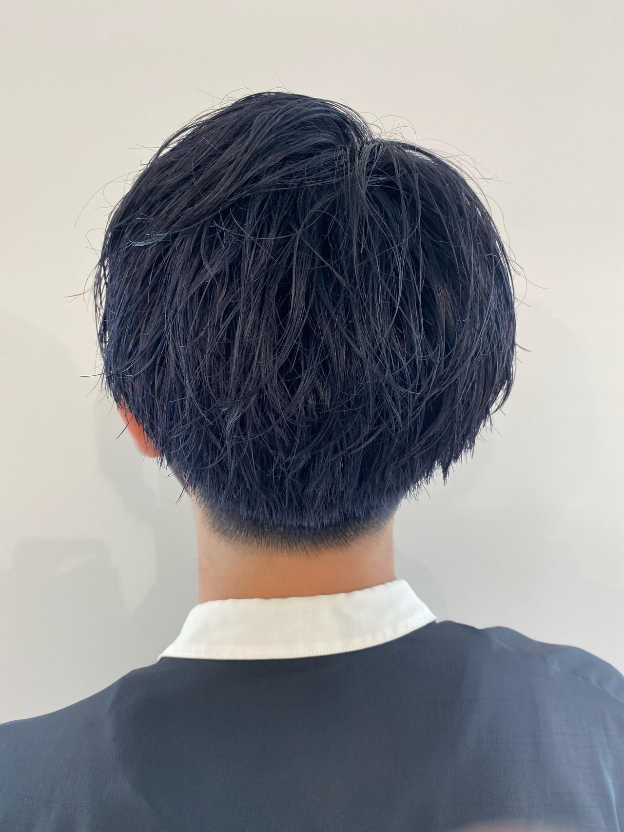 ネイビーブルー メンズ メンズカラー ストリートヘアスタイルや髪型の写真・画像