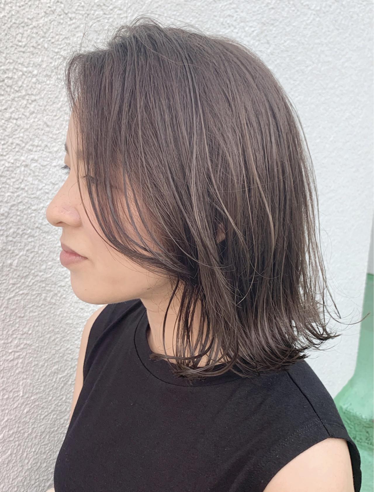 ナチュラル 大人ハイライト ハイライト 透明感カラーヘアスタイルや髪型の写真・画像