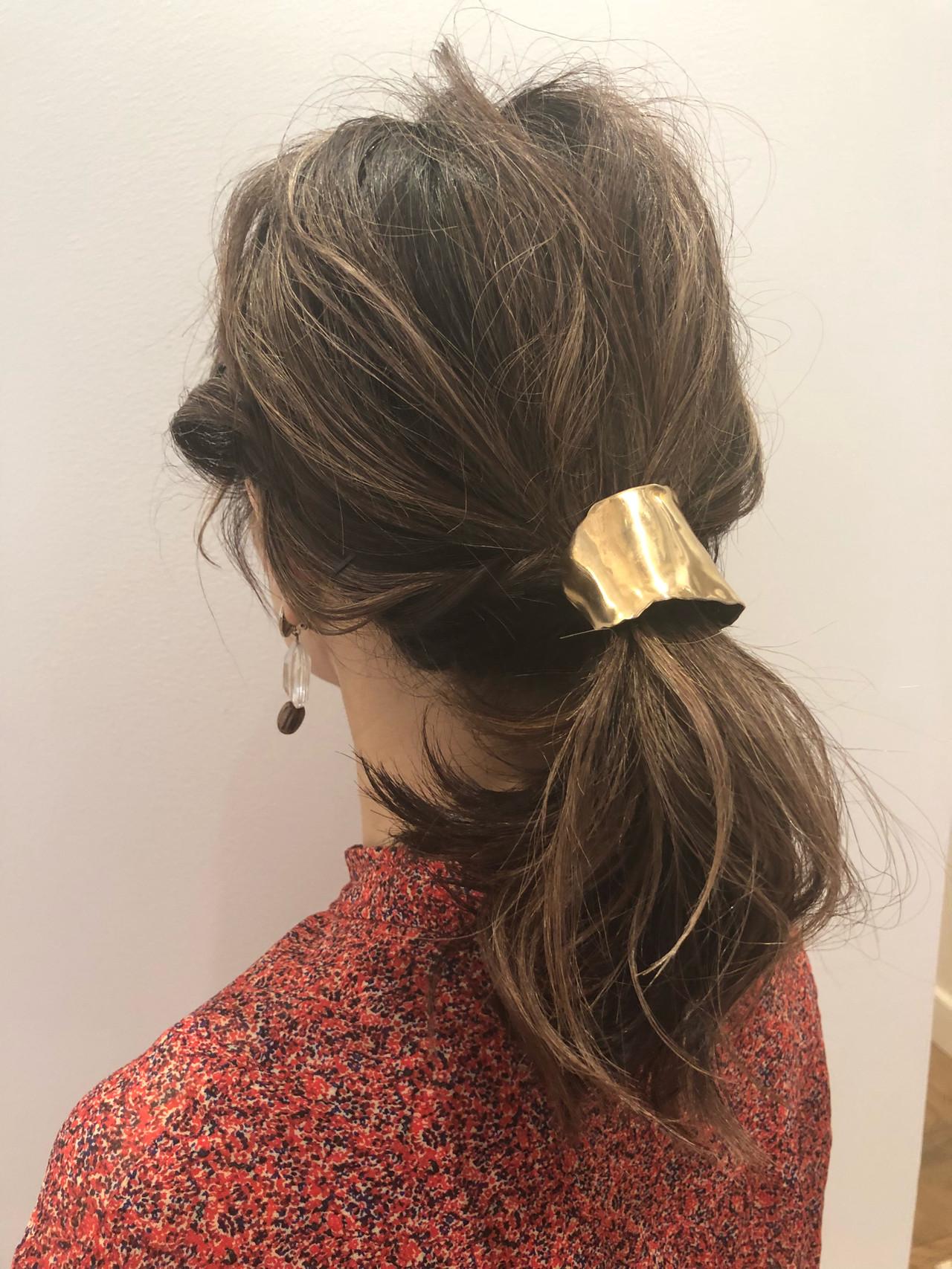 デート ミディアム アンニュイほつれヘア ヘアアレンジヘアスタイルや髪型の写真・画像