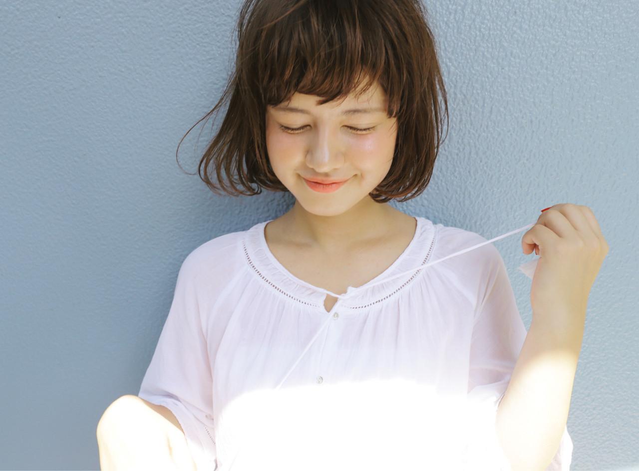 暗髪 ナチュラル ゆるふわ 外国人風 ヘアスタイルや髪型の写真・画像   LUXY / Kenji Innami / LUXY