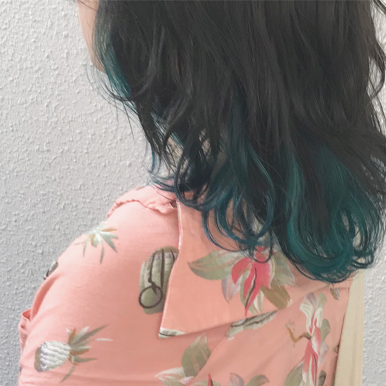 カラーバター ハイトーンカラー ストリート インナーカラー ヘアスタイルや髪型の写真・画像 | ヨシダタイシ / CHERIE hairdesign