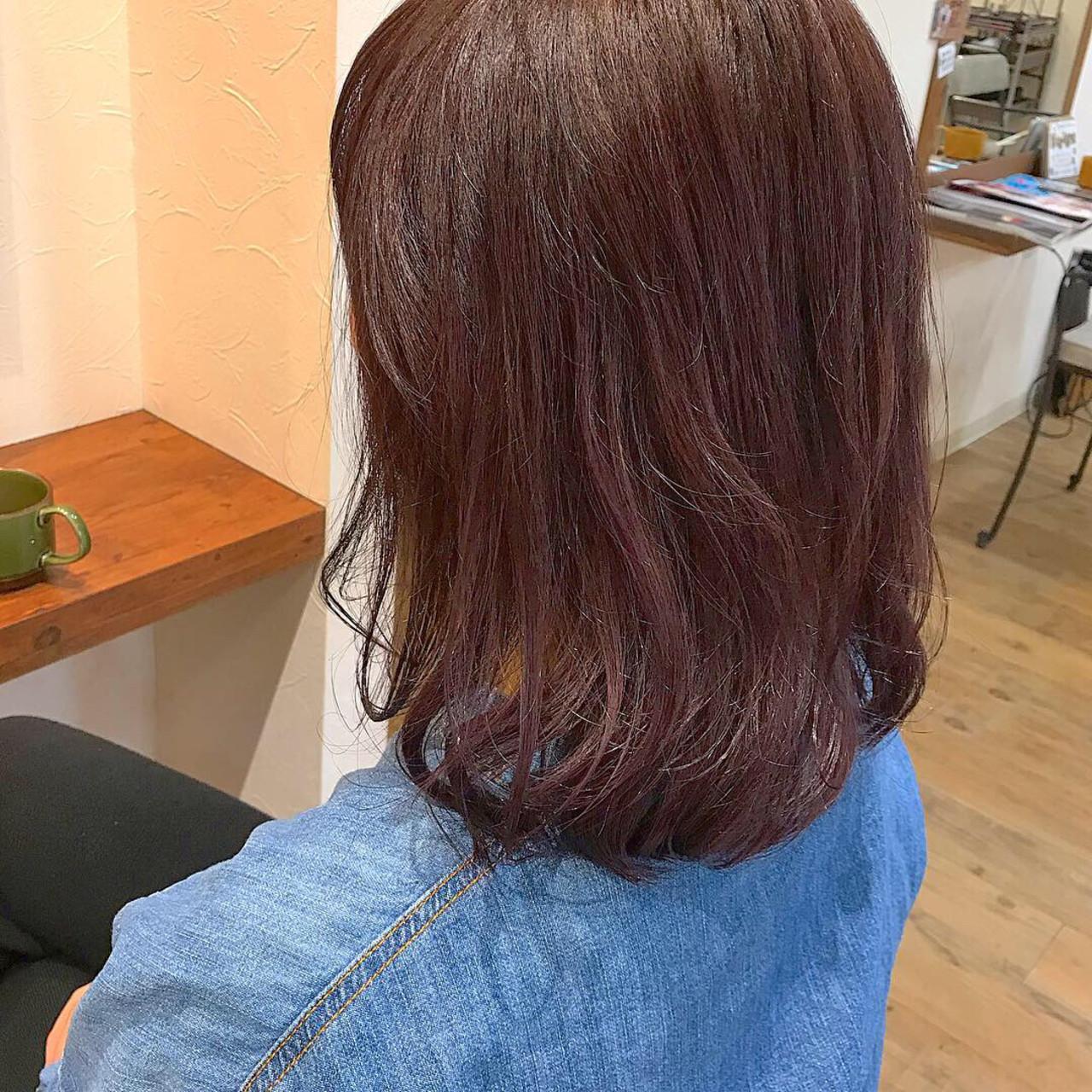 レッド ミディアム オフィス ナチュラル ヘアスタイルや髪型の写真・画像   Nakamura Mari / rocca