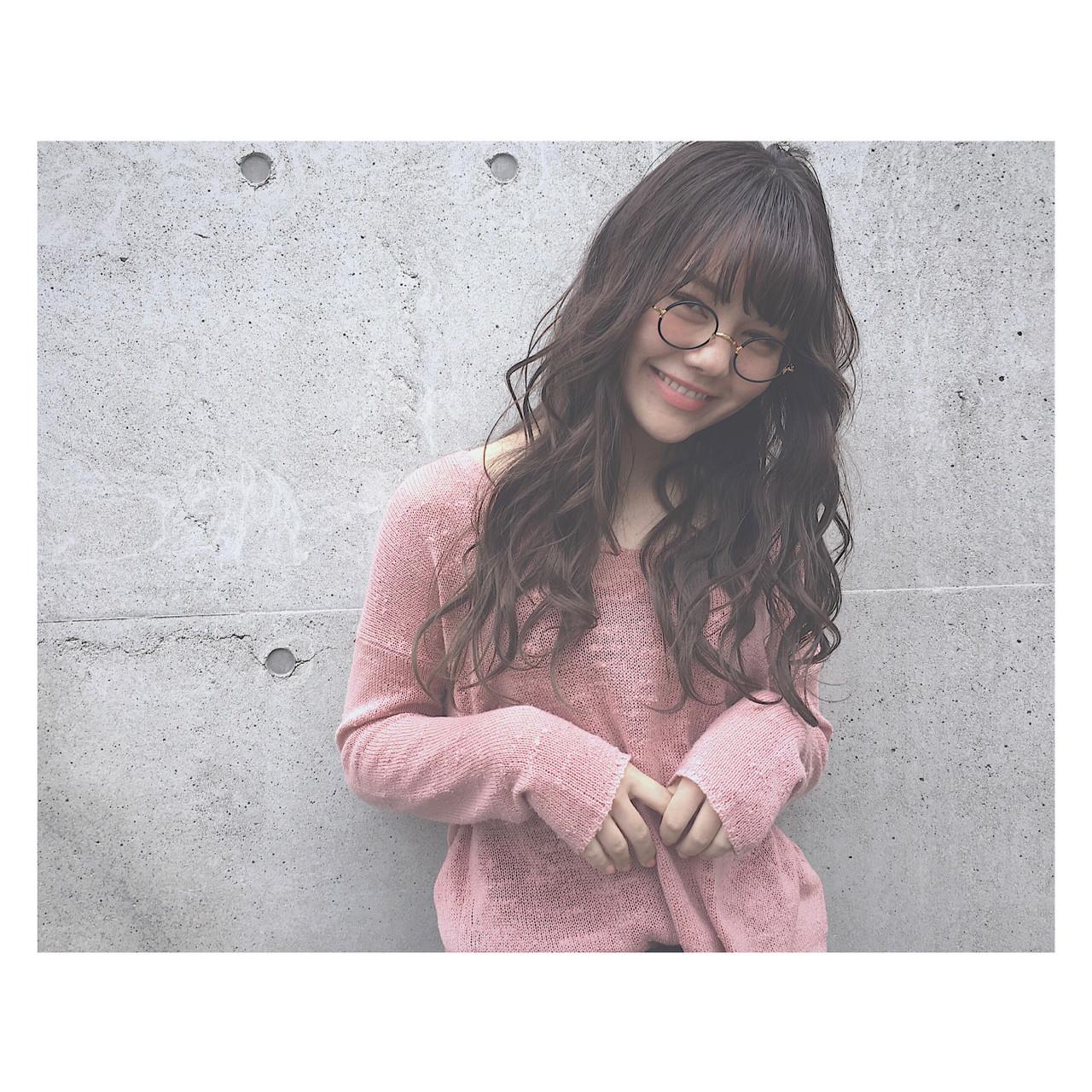 ロング デート 外国人風カラー パーマ ヘアスタイルや髪型の写真・画像 | 廣田 崇明 / FLOWERS