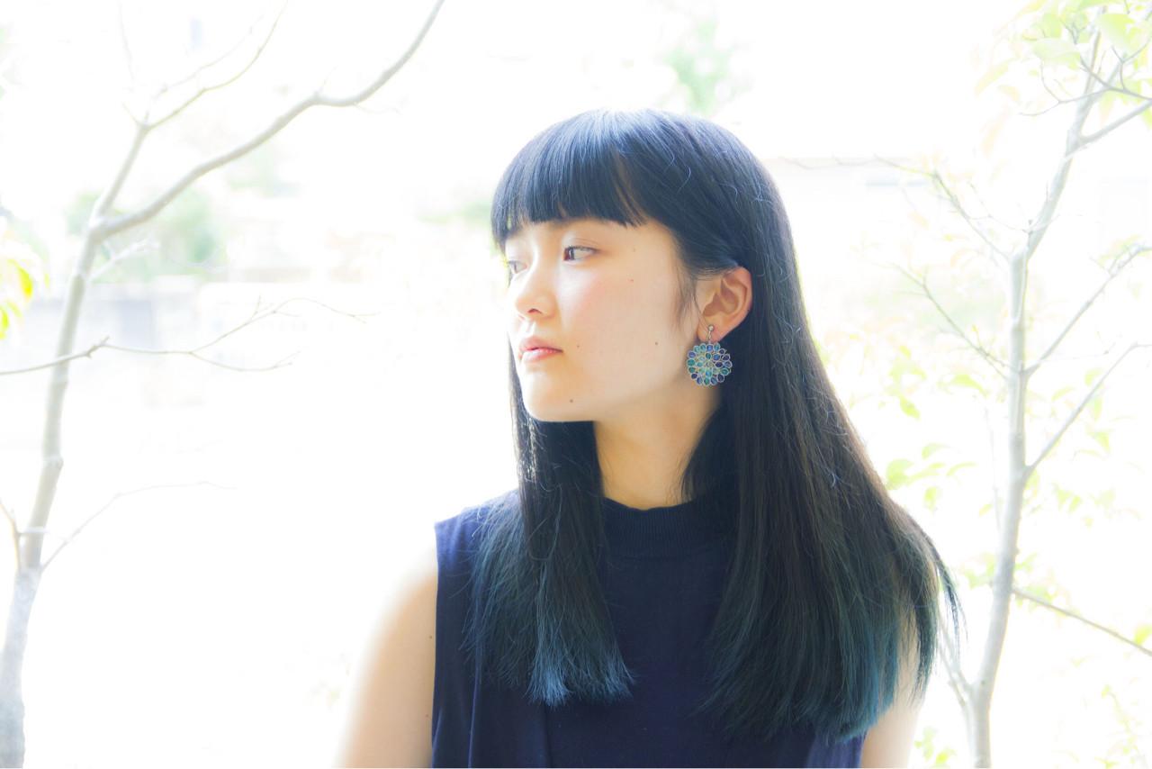 黒髪 モード ロング ブリーチ ヘアスタイルや髪型の写真・画像 | 岩切陽平 / Hair&Beauty AURA