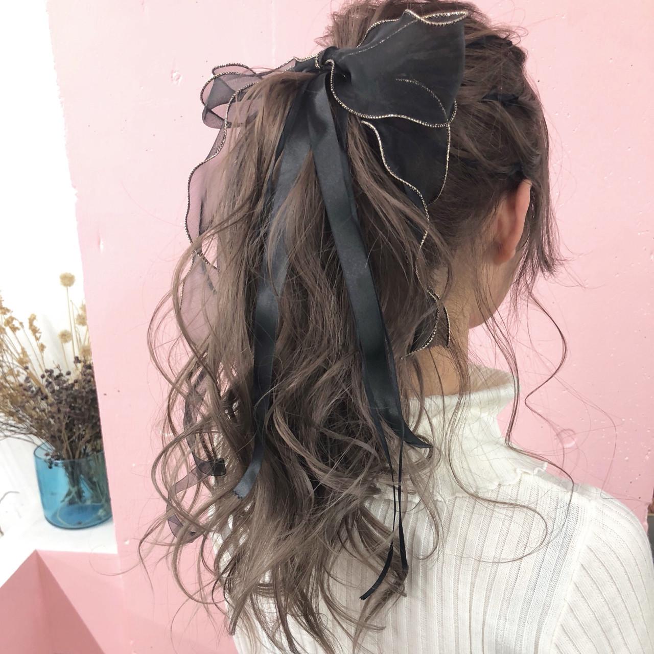成人式 簡単ヘアアレンジ 謝恩会 ガーリーヘアスタイルや髪型の写真・画像