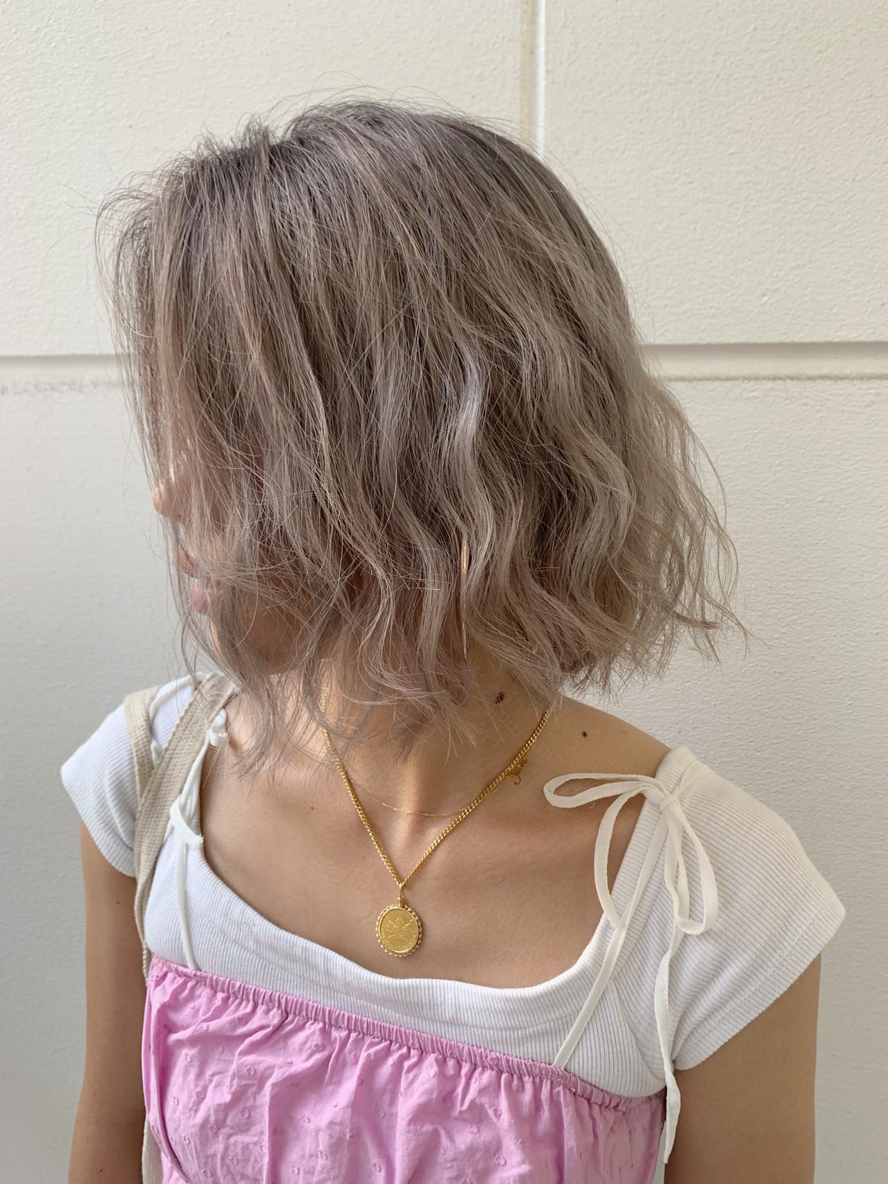 ヘアアレンジ バレイヤージュ ベージュ ミルクティーベージュ ヘアスタイルや髪型の写真・画像 | 寺坂 雄飛 / banks hair