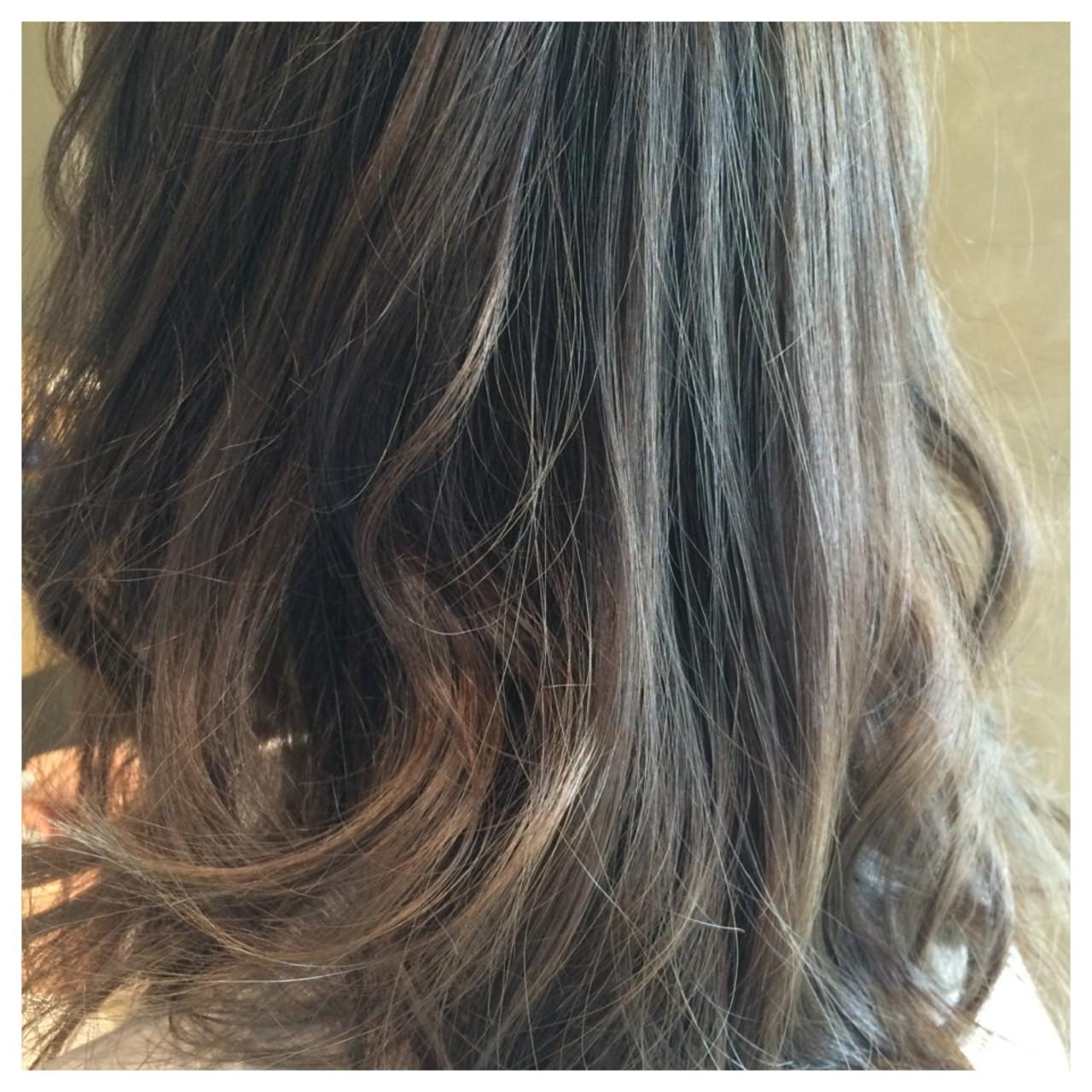 アッシュ グラデーションカラー セミロング 外国人風 ヘアスタイルや髪型の写真・画像   今泉 直裕 / Natural hair designing