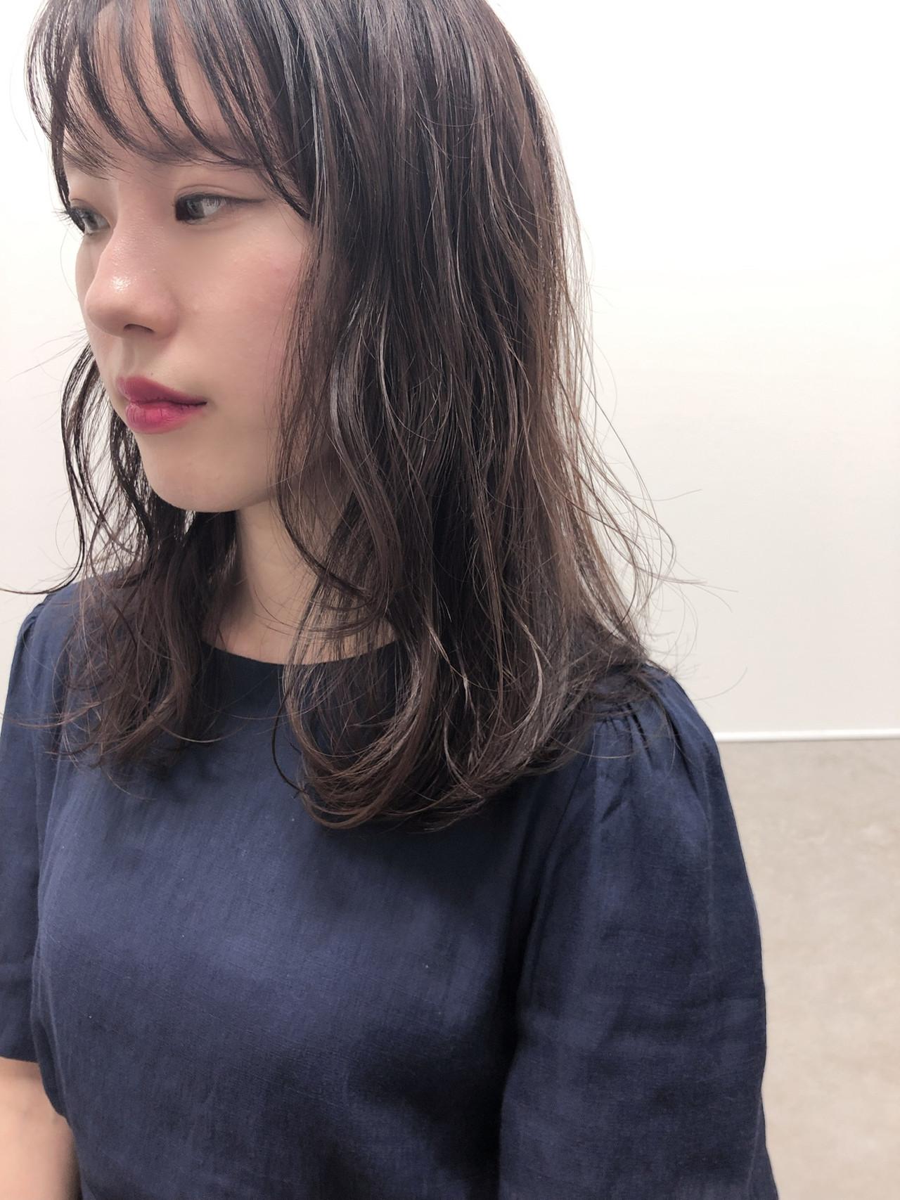 レイヤーカット レイヤースタイル レイヤーヘアー ミディアムレイヤー ヘアスタイルや髪型の写真・画像   hoshiko dai / Retaaan