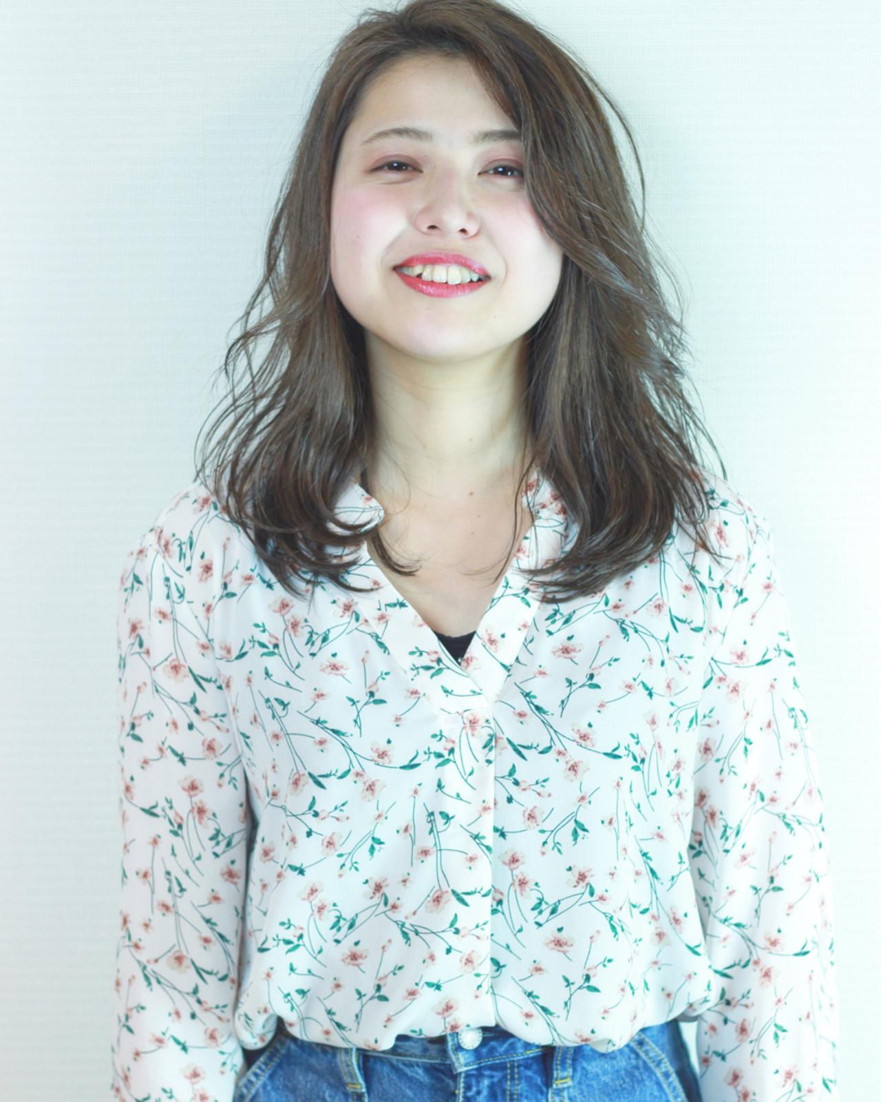 ゆるふわ グレージュ ナチュラル ハイライト ヘアスタイルや髪型の写真・画像 | 松田 和幸 / tuuli