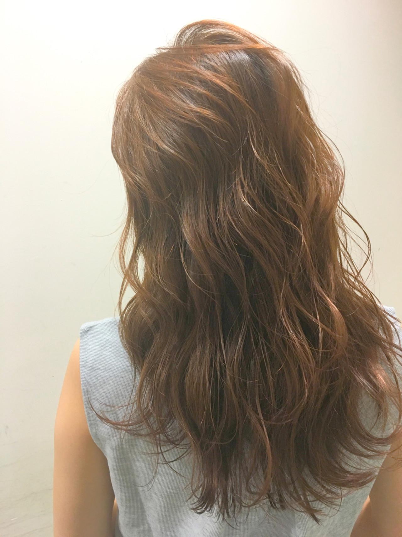 くせ毛風 ハイライト 波ウェーブ ストリート ヘアスタイルや髪型の写真・画像   斧江 和也 / ROOTS IRIE