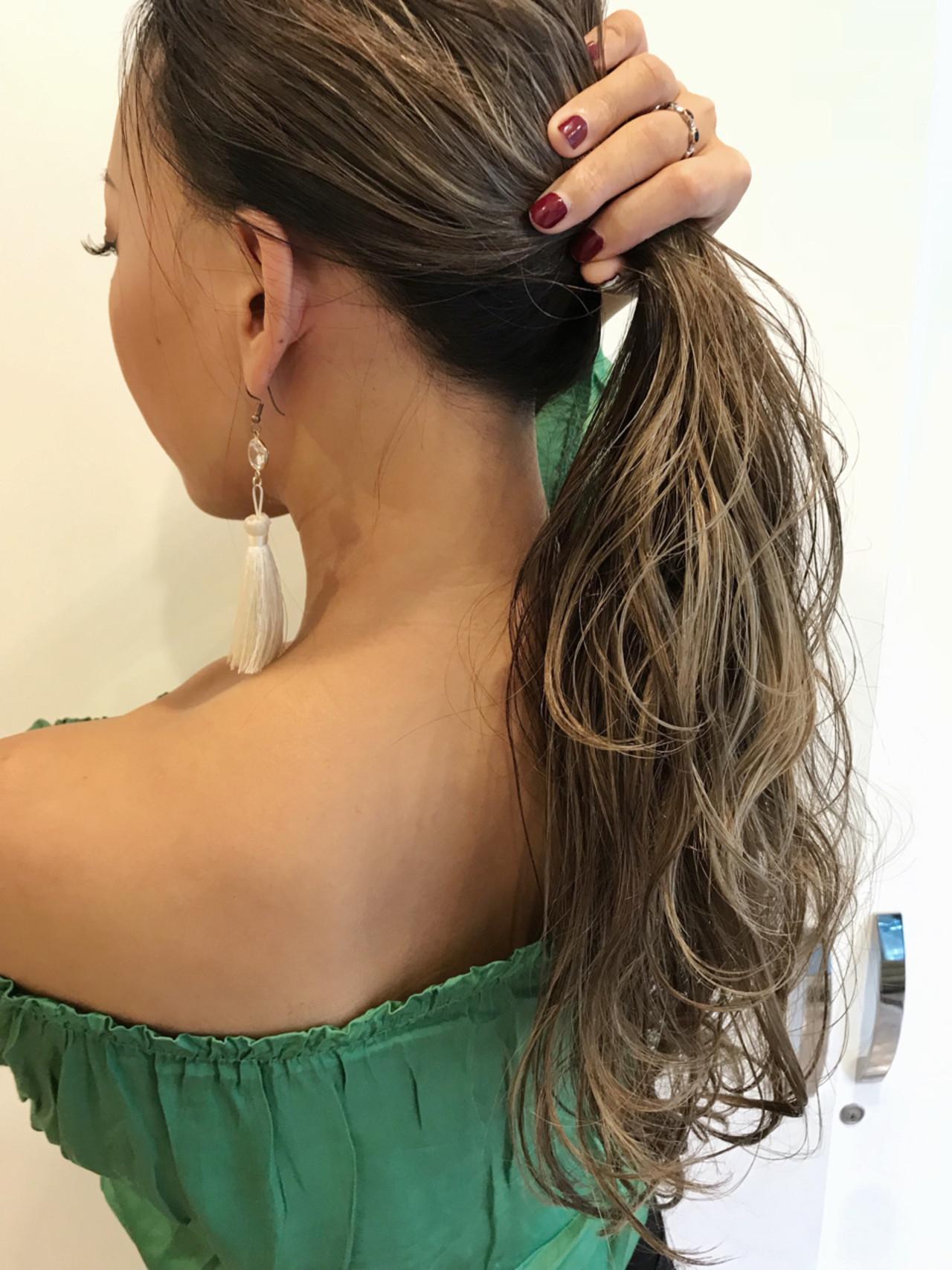 バレイヤージュ ロング ストリート 外国人風カラー ヘアスタイルや髪型の写真・画像   長谷川 龍太 / hair design tea