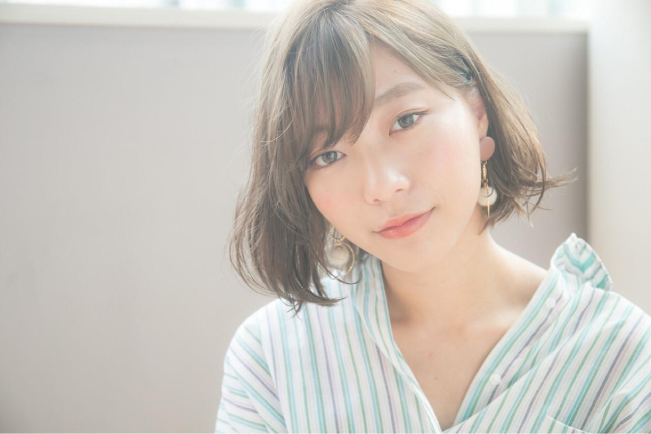 ナチュラル ロブ オフィス グレージュ ヘアスタイルや髪型の写真・画像   Daisuke Tomiyama / drive  for  garden