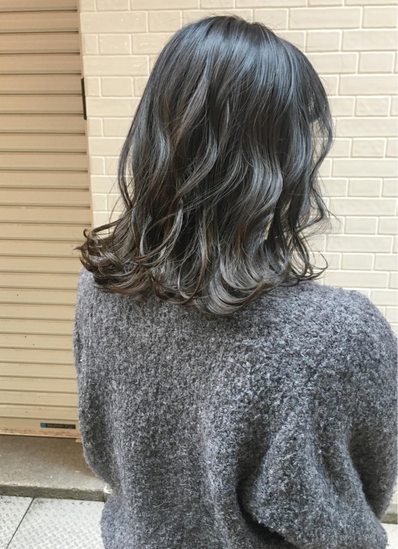 外国人風 ナチュラル グラデーションカラー ゆるふわヘアスタイルや髪型の写真・画像