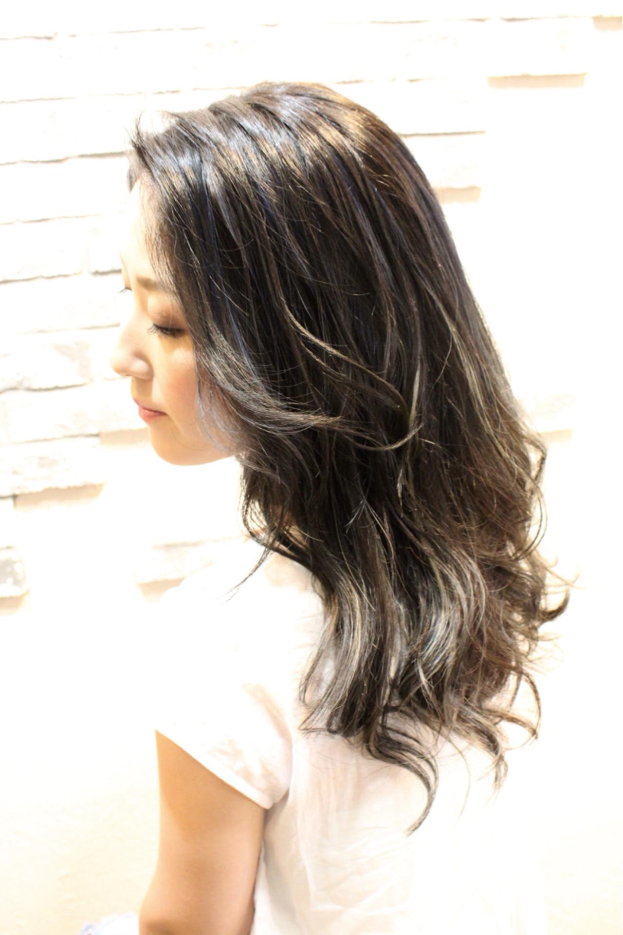 暗髪 リラックス ナチュラル 透明感 ヘアスタイルや髪型の写真・画像 | AZUSA / AIR BERRY