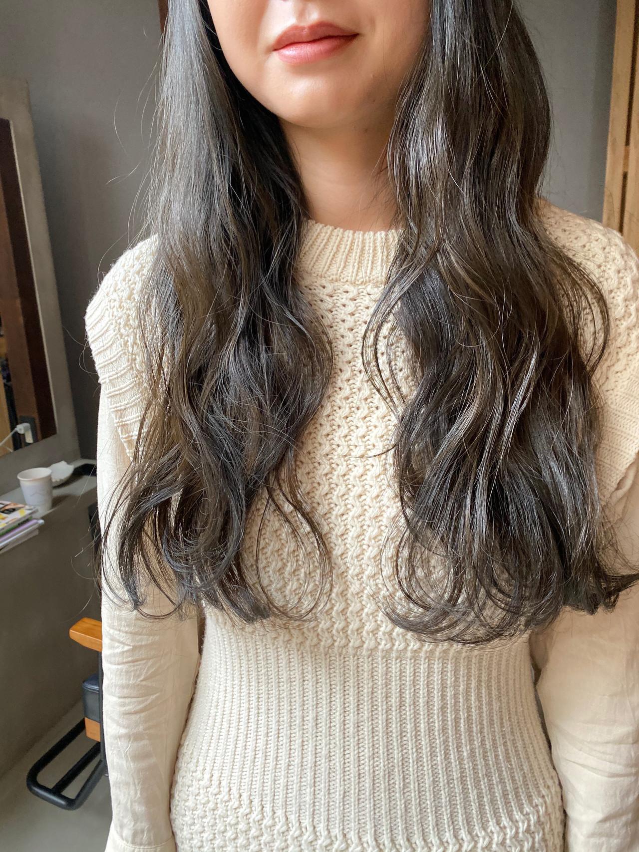 ナチュラル 透明感カラー くすみカラー 暗髪ヘアスタイルや髪型の写真・画像