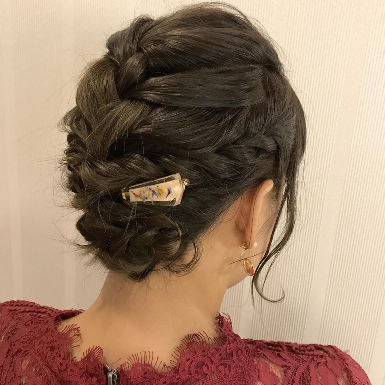 大人かわいい ツイスト パーティ エレガント ヘアスタイルや髪型の写真・画像   石井美那 / BERA g hair