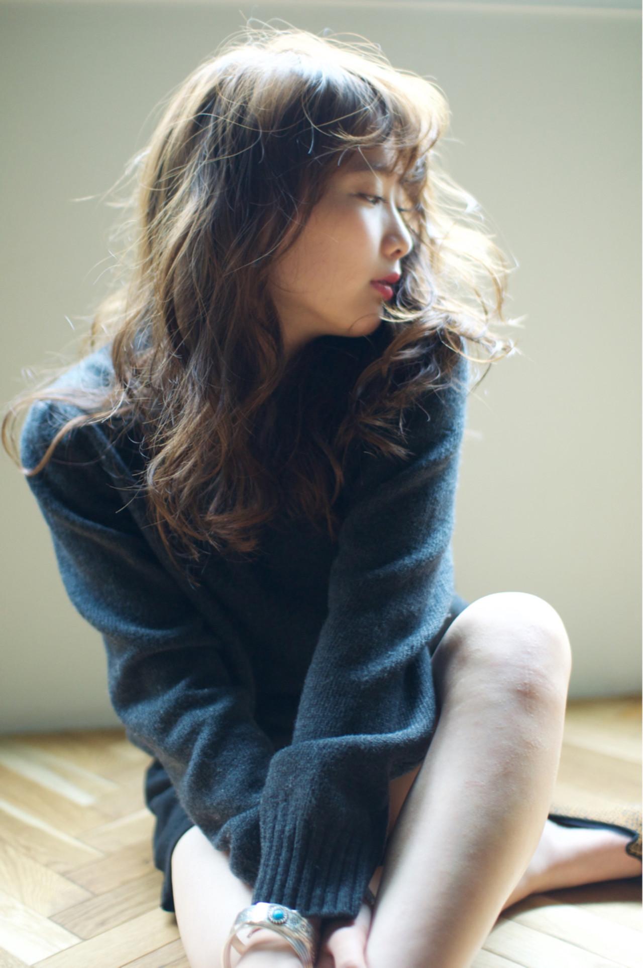 スタイリング剤でパーマを100倍楽しもう!使い方と選ぶコツをご紹介 YUKINA / HOMIE TOKYO