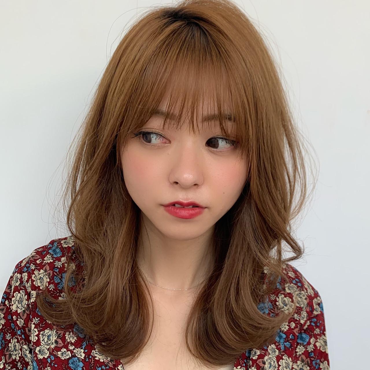 小顔ヘア ミディアム シースルーバング 前髪 ヘアスタイルや髪型の写真・画像
