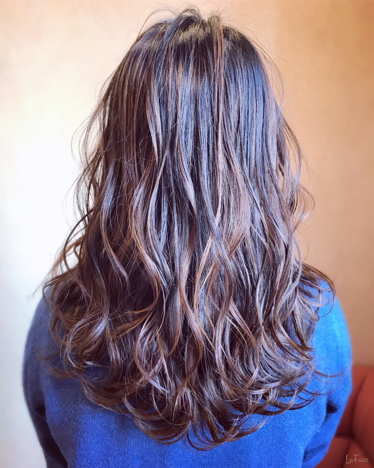 大人ハイライト 3Dハイライト ロング 巻き髪 ヘアスタイルや髪型の写真・画像   青柳 哲郎 / ラフェイス / LaFace / ラフェイス