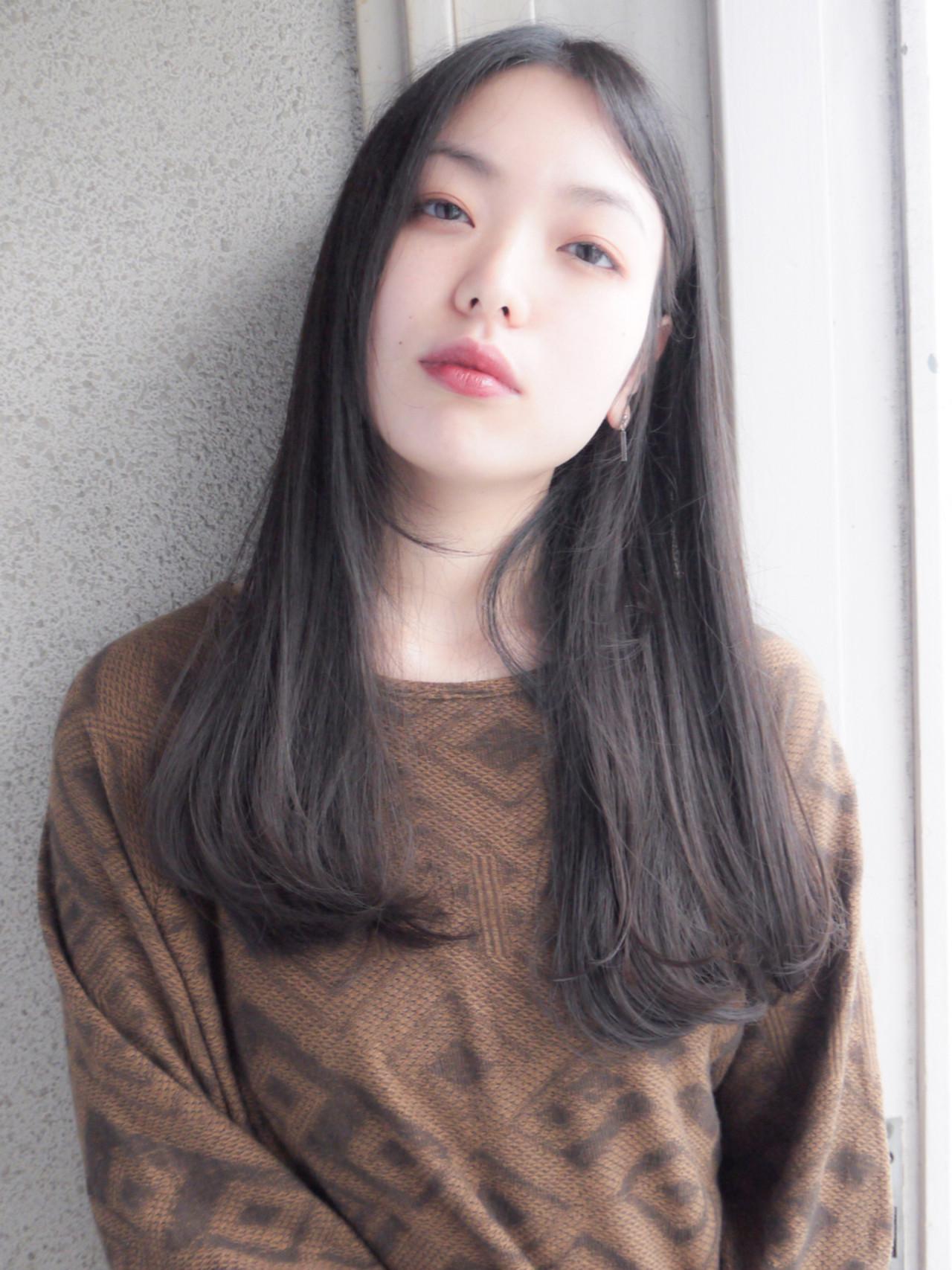 グレージュ ナチュラル 暗髪 オフィス ヘアスタイルや髪型の写真・画像 | HIROKI / roijir / roijir