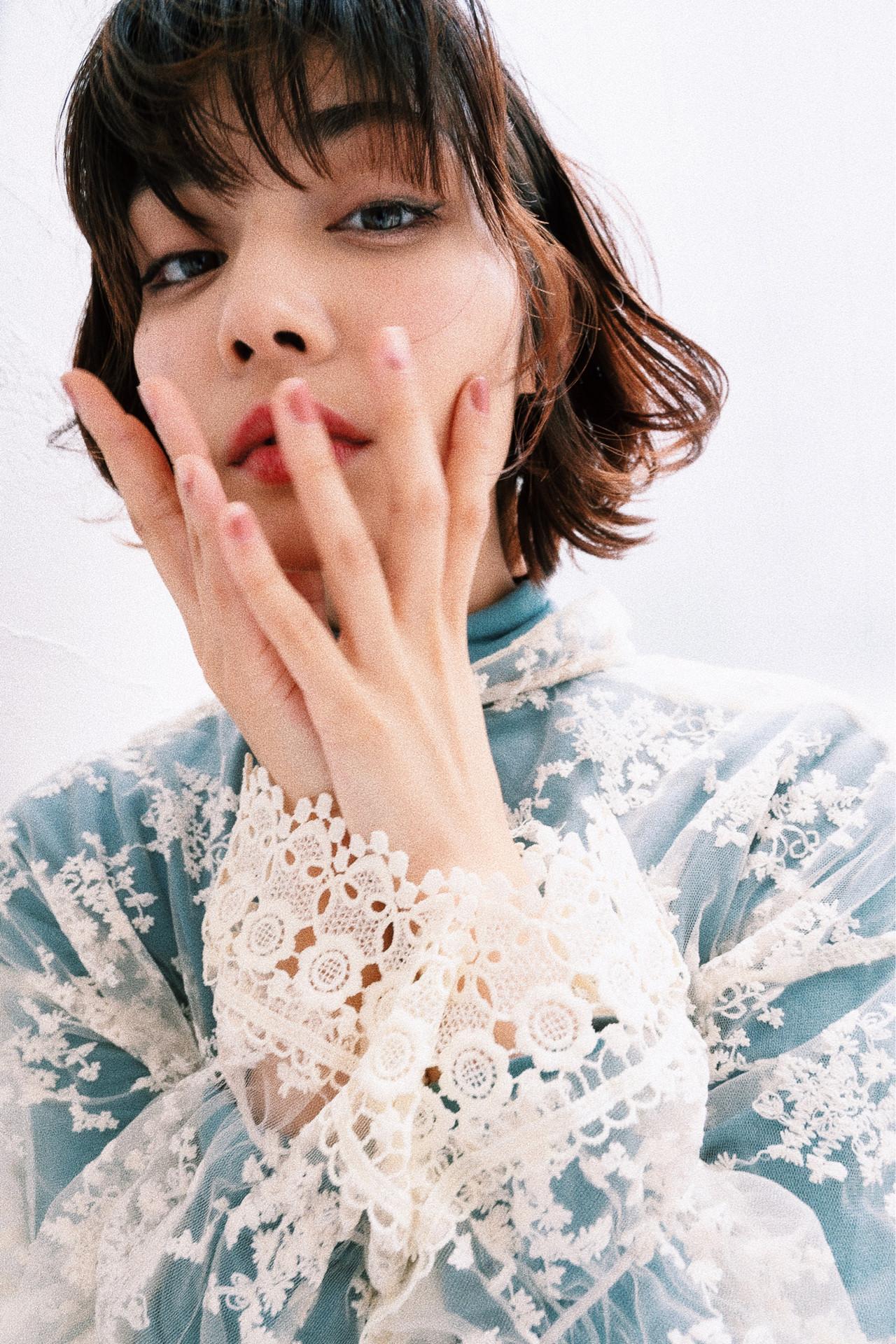 フェミニン シースルーバング ミニボブ 切りっぱなしボブ ヘアスタイルや髪型の写真・画像 | ✂︎三浦 隆照✂︎ / ANGELICA