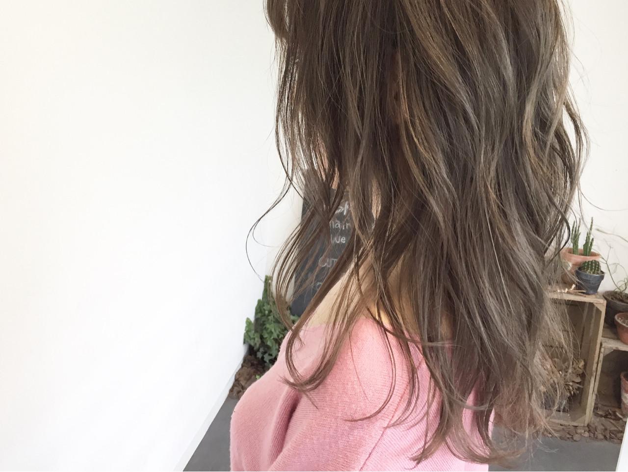 ハイライト 透明感 アンニュイ セミロングヘアスタイルや髪型の写真・画像