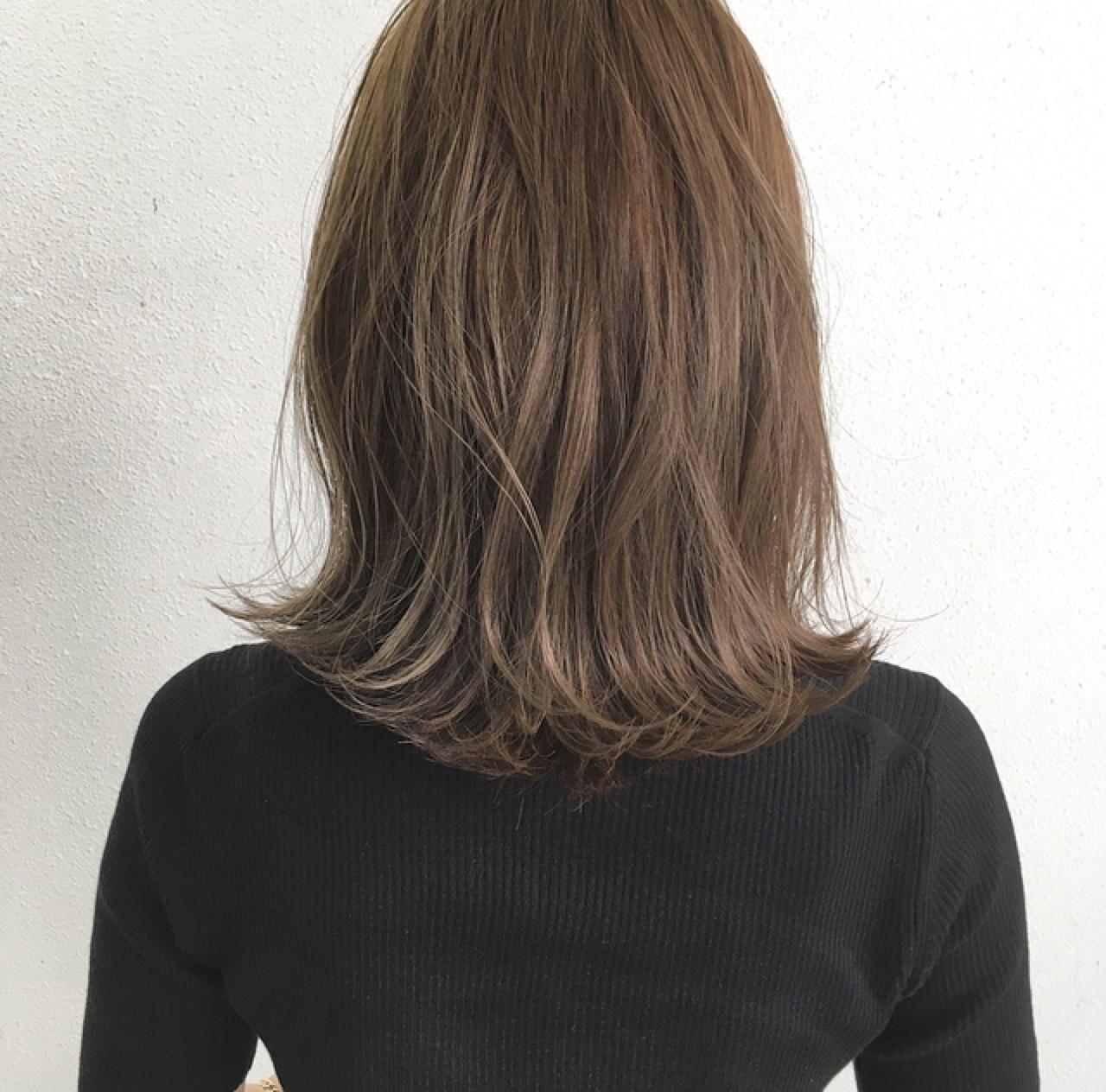 ロブ ナチュラル セミロング グレージュ ヘアスタイルや髪型の写真・画像 | 木下裕貴 / Lil by khair