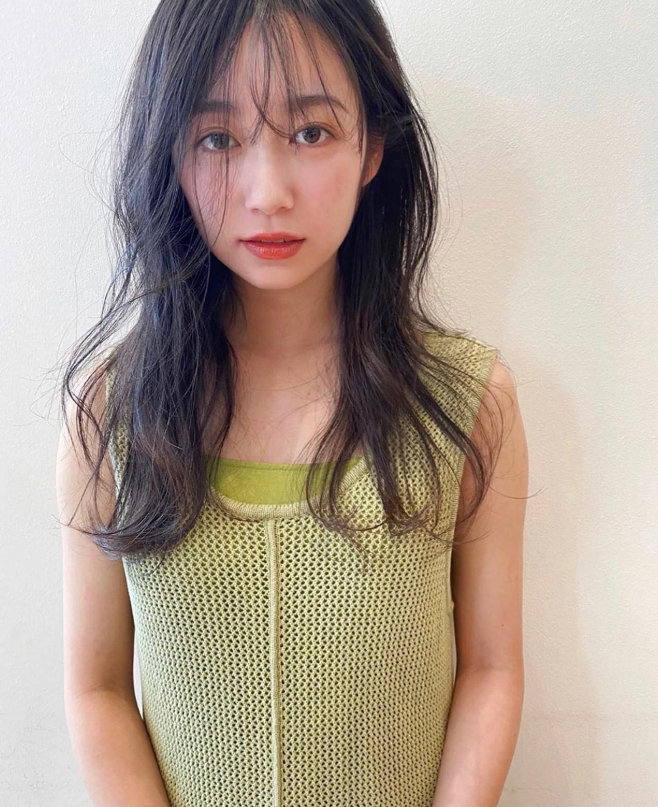 小顔 小顔ヘア ナチュラル ロング ヘアスタイルや髪型の写真・画像