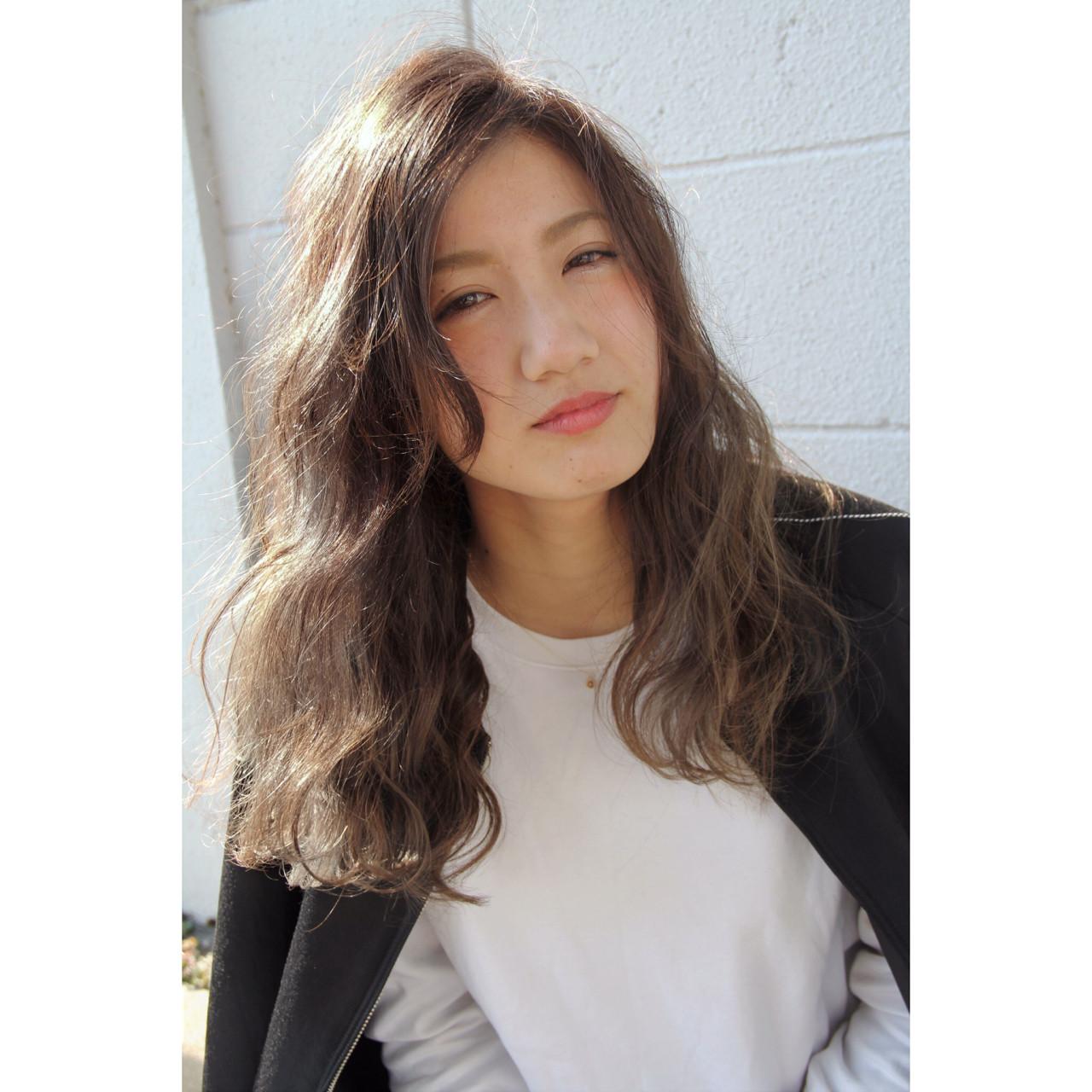 アッシュベージュ 外国人風 アッシュグレージュ ロング ヘアスタイルや髪型の写真・画像 | 米澤俊輔 / VANCOUNCIL金山
