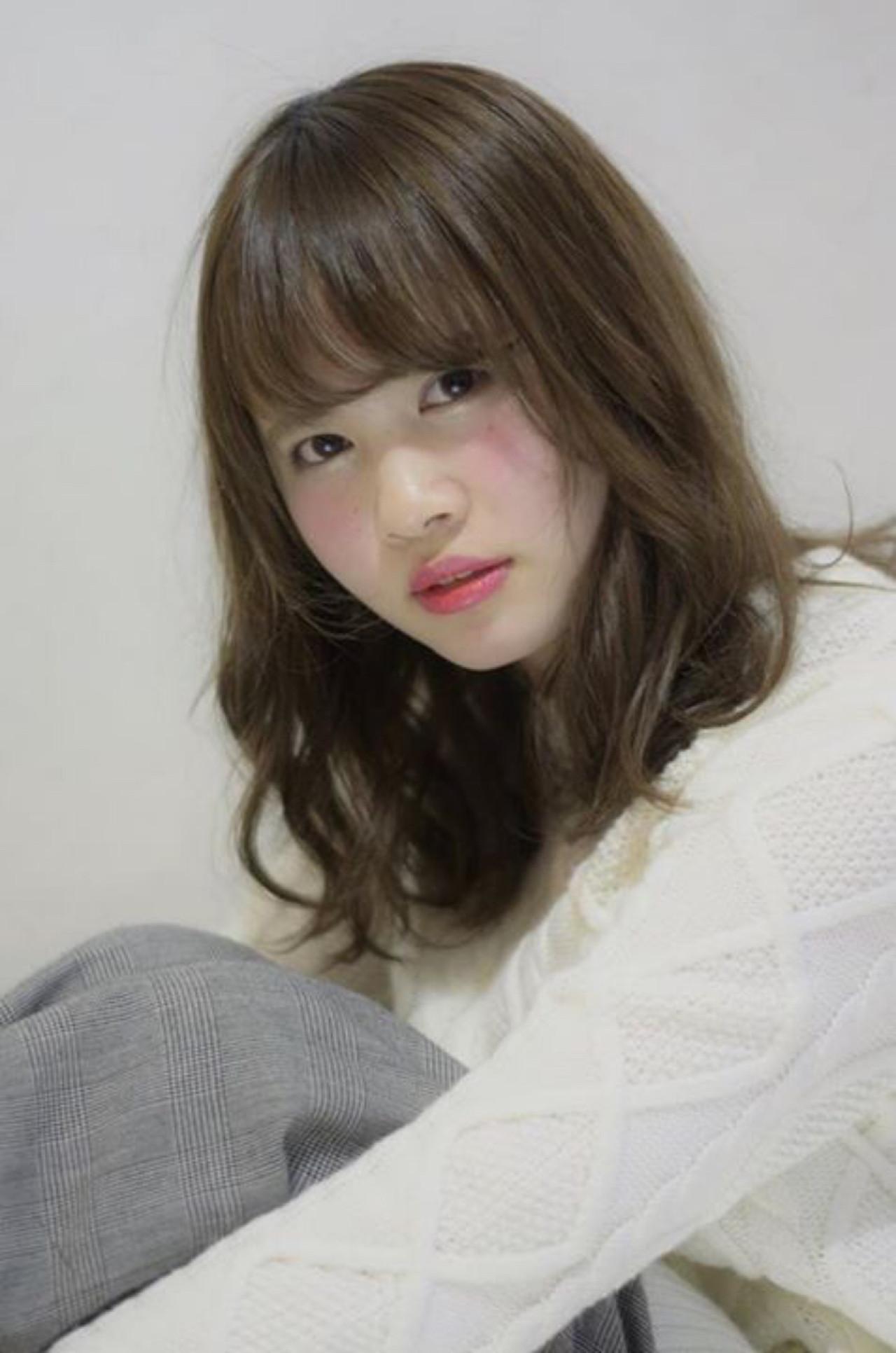 ガーリー ブラウン 外国人風 大人かわいい ヘアスタイルや髪型の写真・画像 | 上鶴 悠貴 / AMME