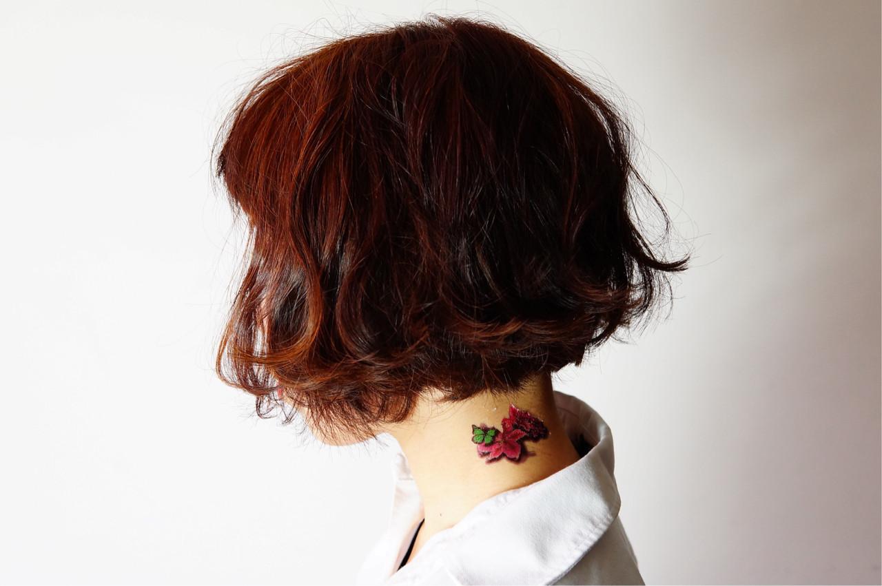 前下がり ボブ ピンク ベージュヘアスタイルや髪型の写真・画像