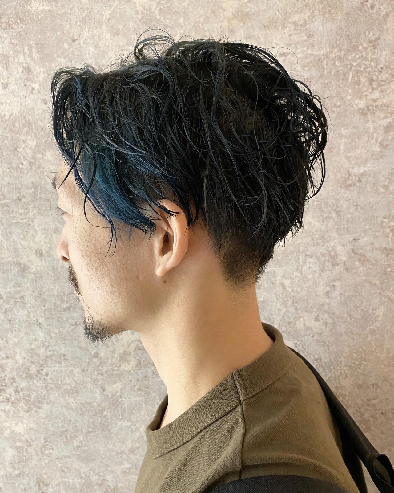 ブルー メンズパーマ ナチュラル ツーブロック ヘアスタイルや髪型の写真・画像