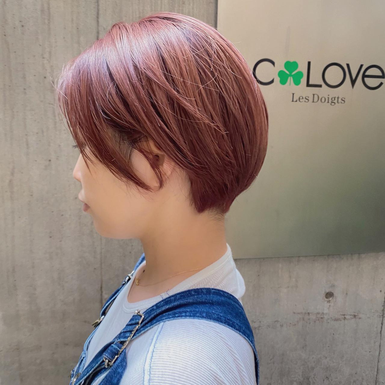 透明感カラー レッドカラー レッドブラウン ショートヘアスタイルや髪型の写真・画像