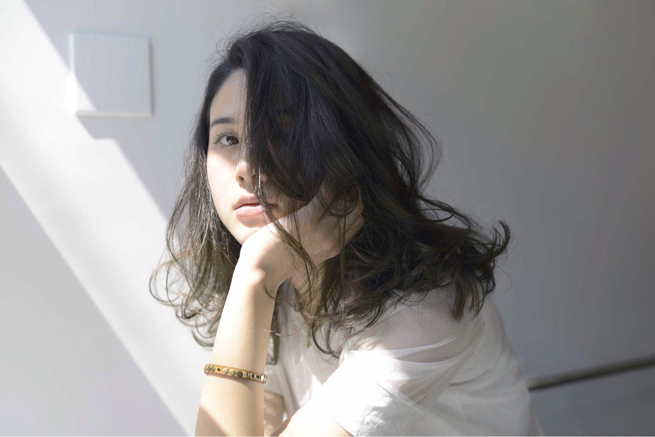 モテる女子は実践中!可愛すぎる黒髪ミディアムパーマ12選♡ NAO