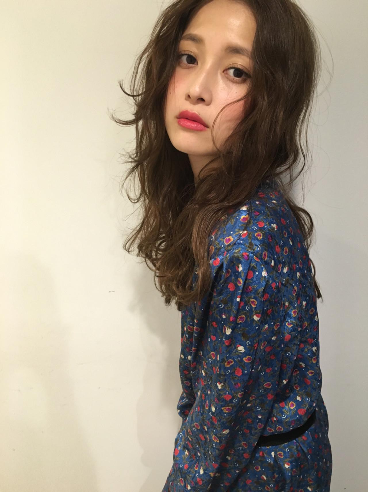 ロング ガーリー デジタルパーマ デート ヘアスタイルや髪型の写真・画像   渡会佳奈 / RUALA