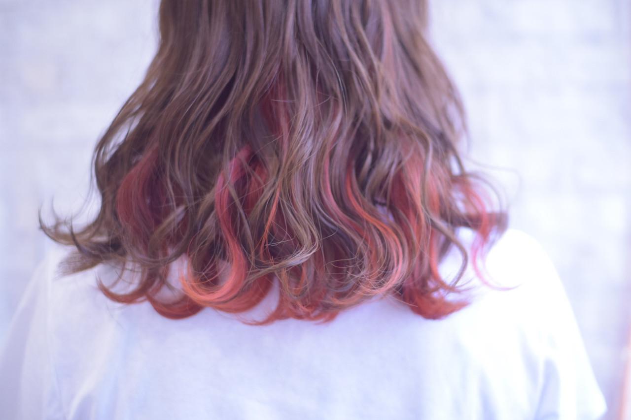 ミディアム インナーカラー インナーカラーオレンジ デート ヘアスタイルや髪型の写真・画像   ひまらやさん / gorilla biscuit