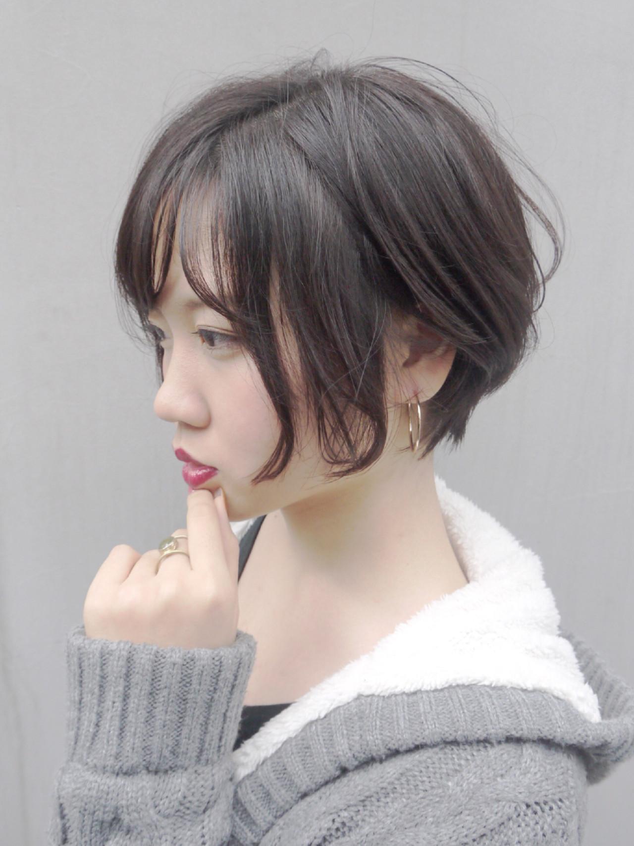 冬 コンサバ 秋 カーキアッシュヘアスタイルや髪型の写真・画像